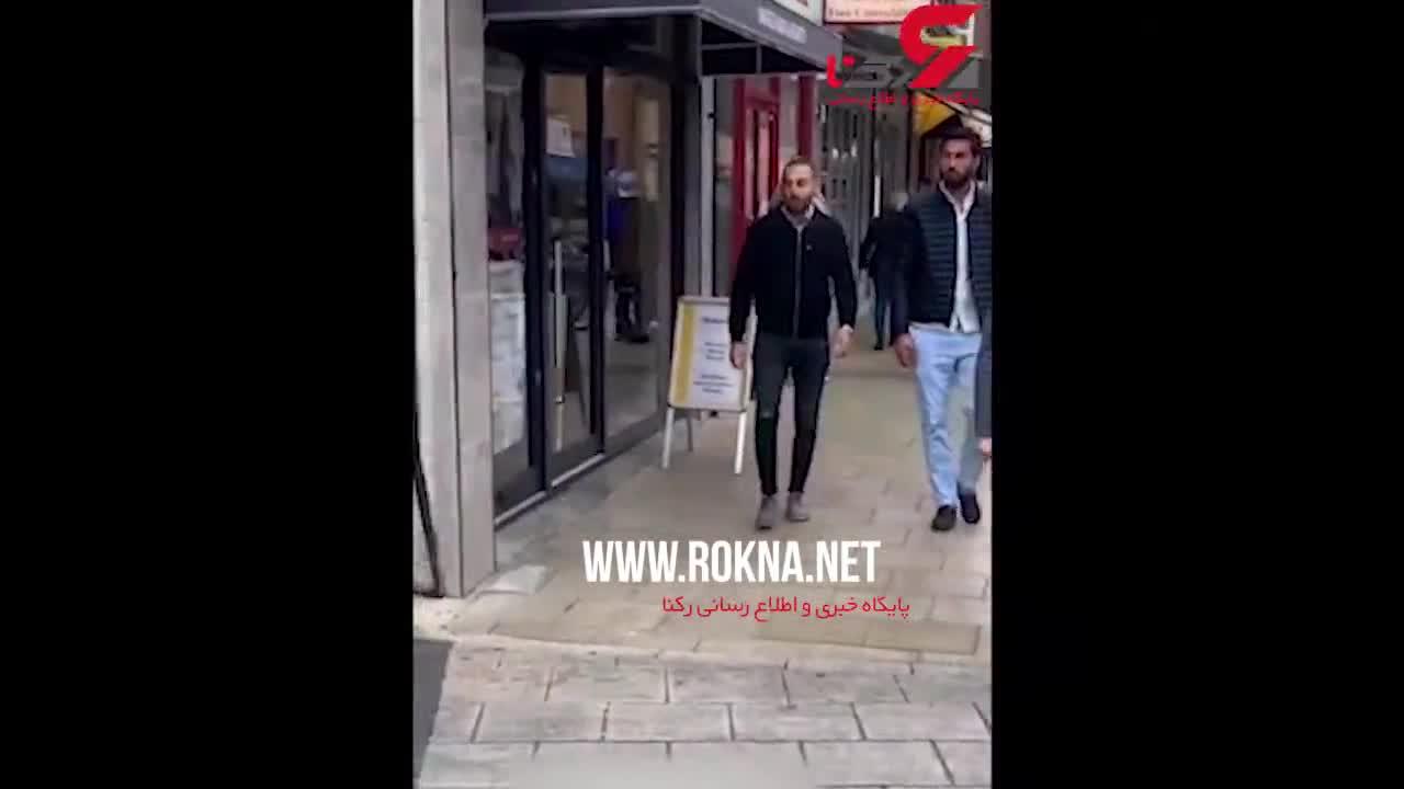 (فیلم) شوخی دایناسوری با مردم  ترسیده در پیادهرو!