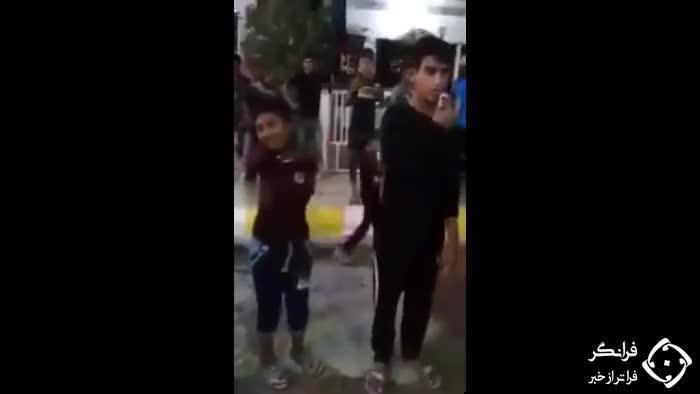 (فیلم) زنجیر زنی کودک بدون دست در محرم همه را شوکه کرد