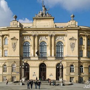 مزایا و معایب تحصیل در کشور لهستان