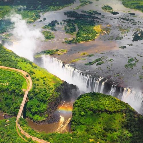 آبشار ویکتوریا در کجا واقع است و جاذبه های توریستی و گردشگری آن چیست؟