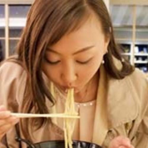 آداب عجیب و غریب خوردن غذا در کشورهای جهان