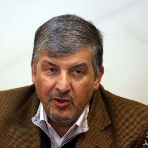 اگر حداد عادل دست فرح را بوسید احمدی نژاد هم صورت مادر چاوز را بوسید