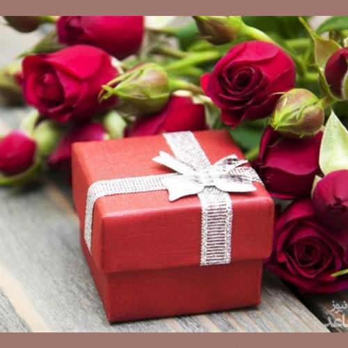 انتخاب هدیه برای خانمها با نکاتی که کمک میکند طرفتان را خوشحال کنید