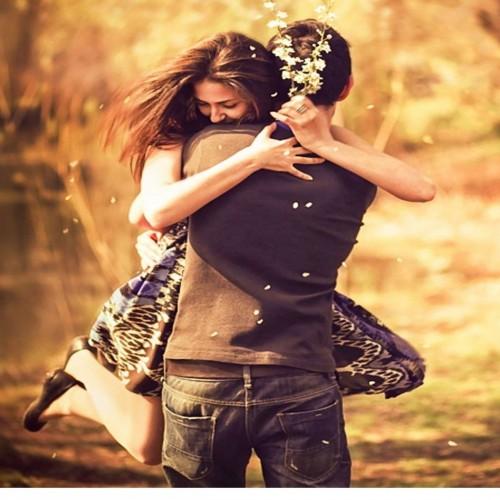 آثار جالب روانی و جسمی در آغوش گرفتن همسر