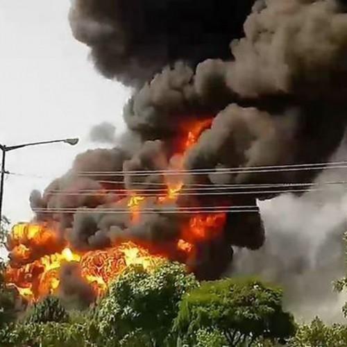 آتش سوزی مهیب کارخانه تولید الکل در قم +فیلم