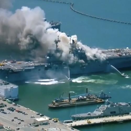 آتشسوزی در ناو آمریکایی همچنان ادامه دارد