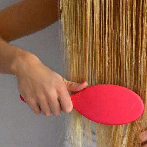 برای پیشگیری از گره خوردگی مو چه کار کنیم؟