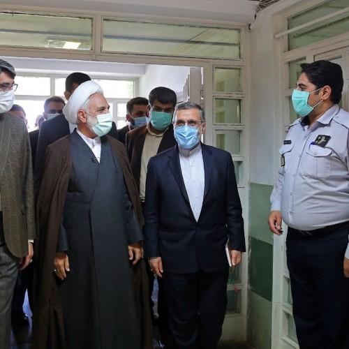 بازدید رئیس قوه قضائیه از زندان رجائیشهر و گفتگو با زندانیان