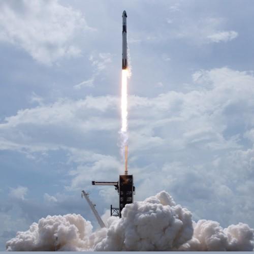 (فیلم) لحظه اعزام دو فضانورد با شاتل خصوصی به فضا!