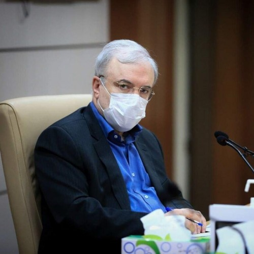 (فیلم) بغض وزیر بهداشت برای مشکلات زائران امام رضا