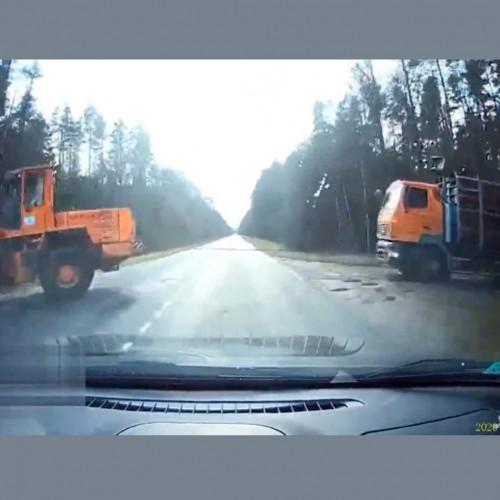 (فیلم) بکسل کردن کامیون حادثه آفرید