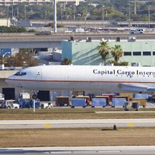 (فیلم) بمب گذاری در یکی از فرودگاههای آمریکا