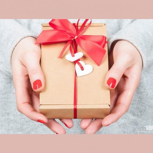 چه هدیه ای یک خانم را خوشحال می کند؟