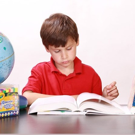 چگونه تمرکز بچه ها را برای درس خواندن افزایش دهیم؟