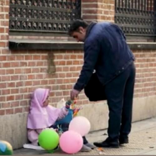دوربین مخفی واکنش مردم نسبت به درخواست عجیب یک کودک کار