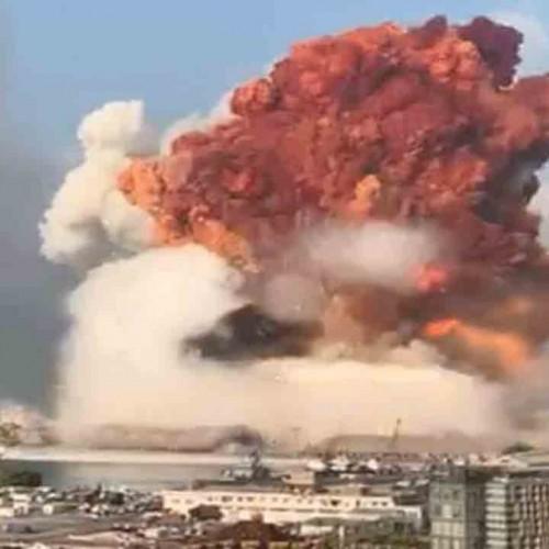 (عکس) دراز کشیدن مجروحان در محل انفجار