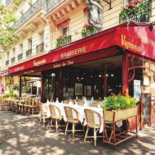 (عکس) یک کافه متفاوت در پاریس برای حفظ فاصله گذاری اجتماعی