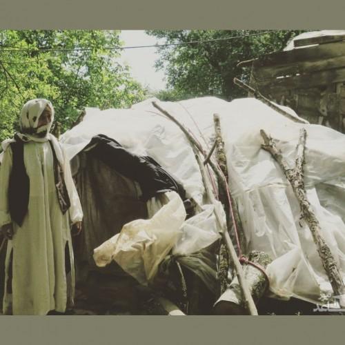 (عکس) مادربزرگ نیکوکاری که در چادر زندگی میکرد، درگذشت