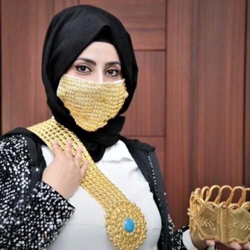 (عکس) ماسک طلا برای عروس خانمها!