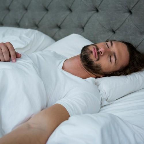 علت ارگاسم شبانه یا انزال شدن در خواب چیست؟
