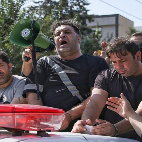 (فیلم) به غلط کردن افتادن گنده لاتهای تهرانپارس پس از دستگیری