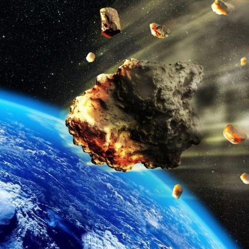 فیلم لحظه شگفت انگیز عبور یک شهاب سنگ در آسمان