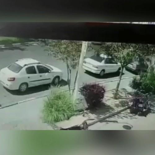 (فیلم) لحظه تصادف پژو ۲۰۶ با چند خودرو در مشهد