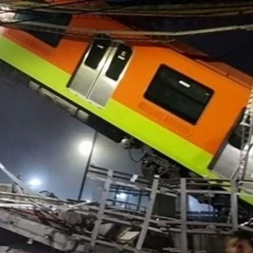 (فیلم) لحظه سقوط مرگبار قطار از روی پل