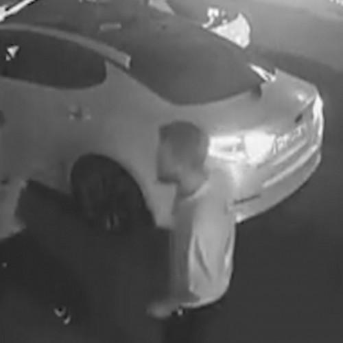 (فیلم) تصادف ساختگی و حمله وحشیانه به یک خودرو و سرنشیان آن