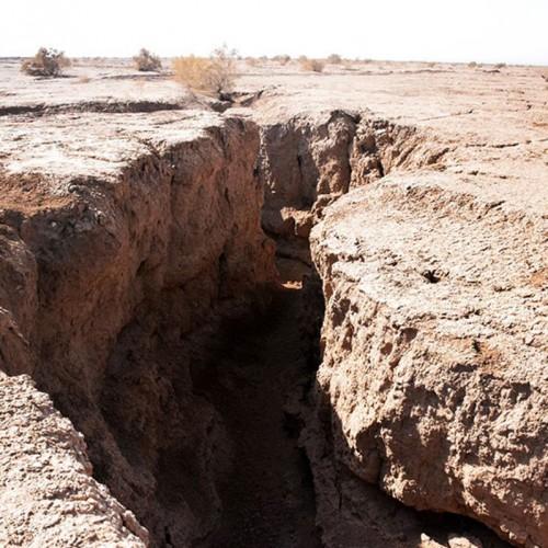 فرو نشست زمین در فیروزکوه و حادثه برای زن و مرد سالمند