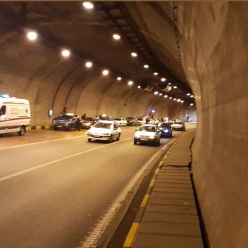 (فیلم) حادثه در تونل نیایش؛ موتورسواری که زد و رفت