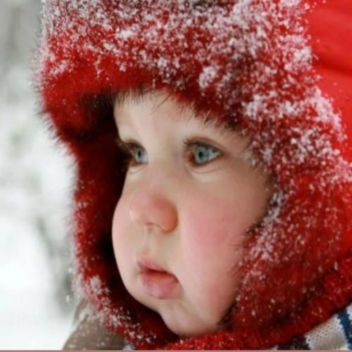 لباس کودک در هوای سرد و زمستان چگونه باید باشد؟