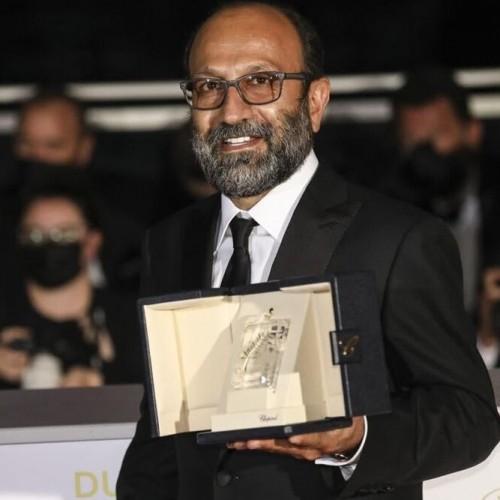 (عکس) لحظهای که اصغر فرهادی جایزه بزرگ «کن» را برد
