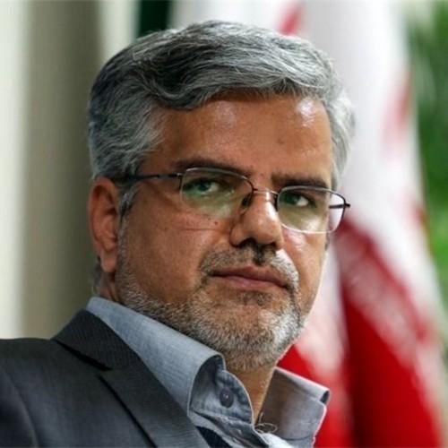 ۳ ماه زندان برای محمود صادقی بخاطر توهین به آملی لاریجانی