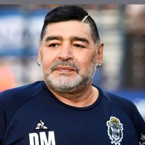 مارادونا، اسطوره فوتبال جهان به خاک سپرده شد