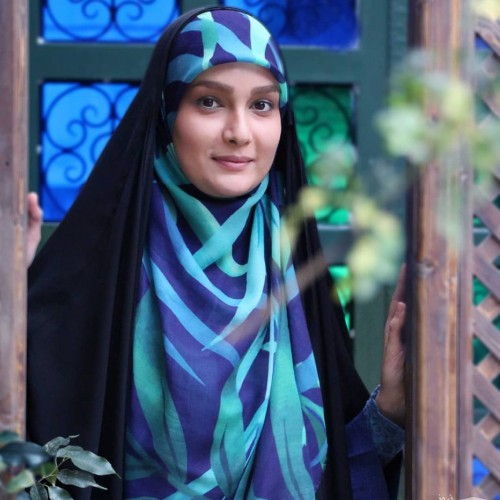 مژده خنجری مجری خوش حجاب تلویزیون به دنبال راهی برای کاهش استرس
