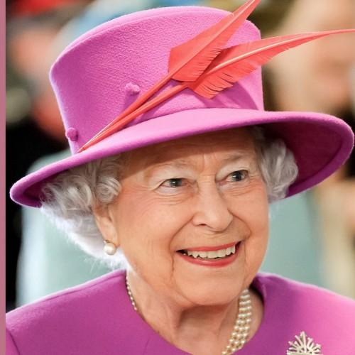 ملکه انگلیس با حجاب شد!