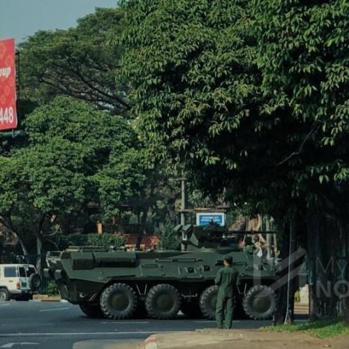 ارتش میانمار تانک ها را به خیابان ها آورد
