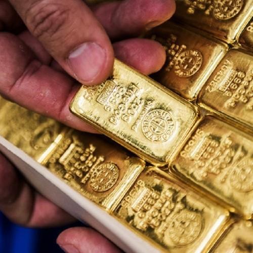 پیش بینی قیمت طلا با نگاه به روند دلار/ سکه یک پله عقب نشینی کرد