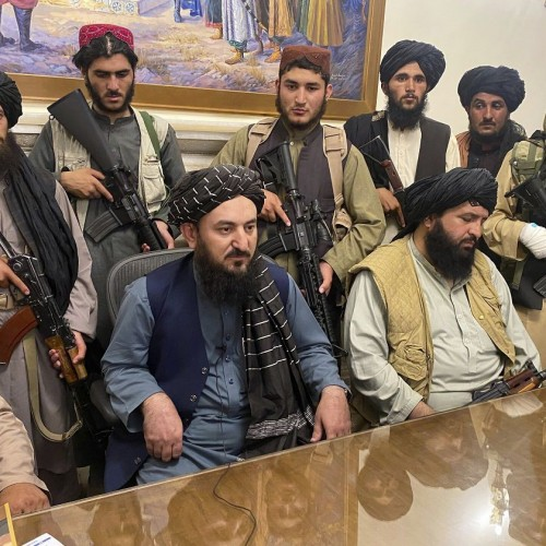 قرار عاشقانه جنگجوی طالبان!