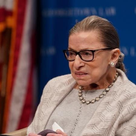 روث بادر گینزبرگ: قاضی کهنه کار دادگاه عالی آمریکا و فعال حقوق زنان درگذشت