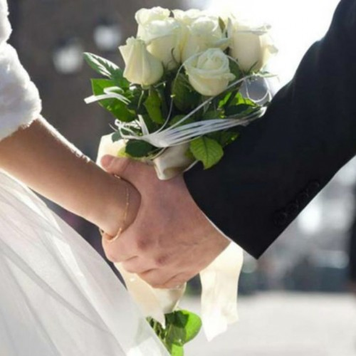 سلفی عجیب تازه عروس با تفنگپر که موجب مرگش شد!