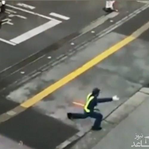 (فیلم) سبک خنده دار پلیس راهنمایی و رانندگی برای هدایت خودروها