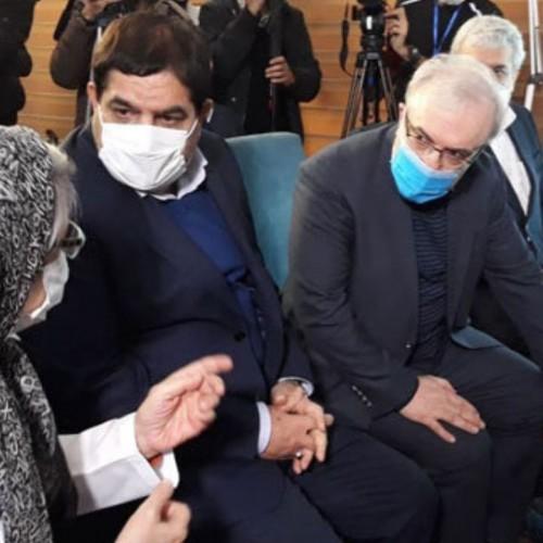 (فیلم) صحبتهای وزیر بهداشت با اولین داوطلب دریافت واکسن کرونای ایرانی