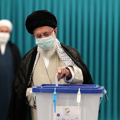 سخنرانی رهبر معظم انقلاب در پای صندوق رای