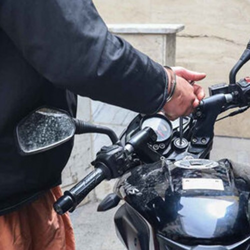 (فیلم) سرقت موتورسیکلت در چند ثانیه