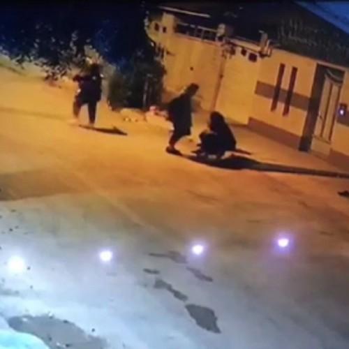 (فیلم) سرقت وحشیانه از یک دختر جوان در اهواز