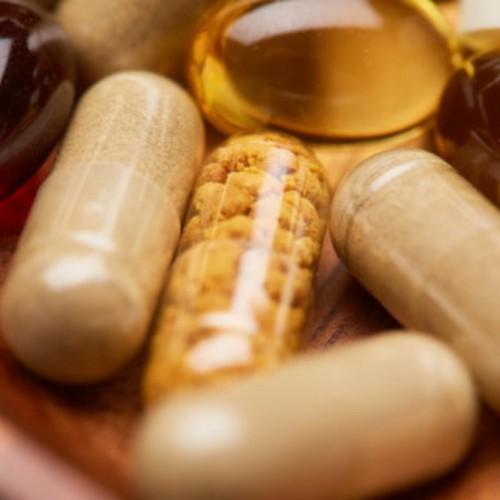 تاثیر مولتی ویتامین های مختلف در مبارزه با کرونا