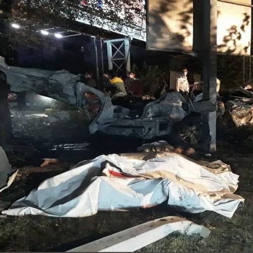تصادف وحشتناک خودروی BMW در بزرگراه شهید مدرس/ سرنشینان خودرو در آتش سوختند+ تصاویر