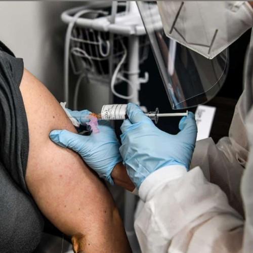 واکسن کرونا برای ایرانیها چقدر آب می خورد؟